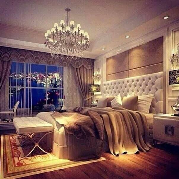 Rich and chic bedroom <3