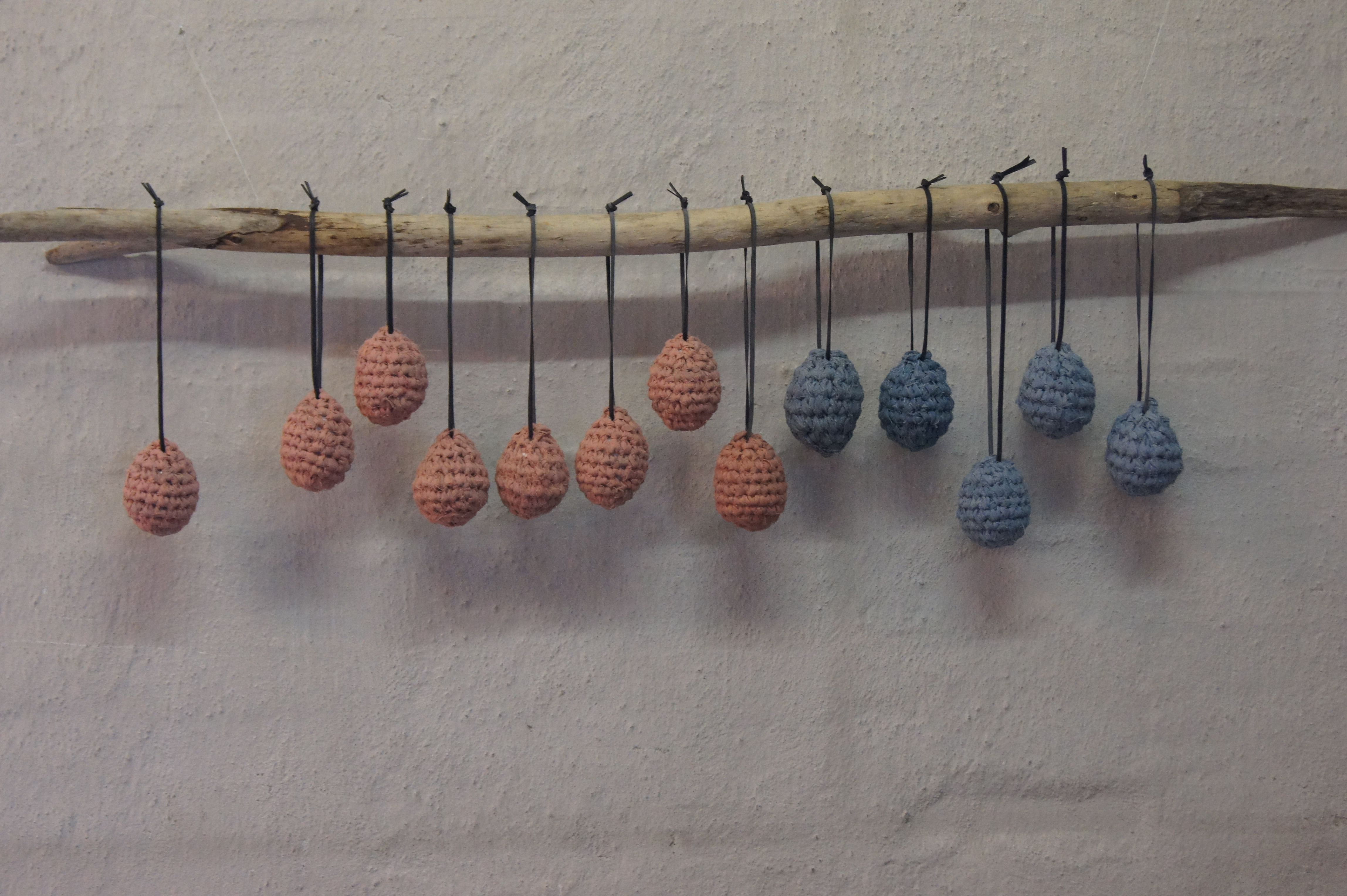 Lyserøde påskeæg - blå påskeæg - hæklede påskeæg - Livingbyheart