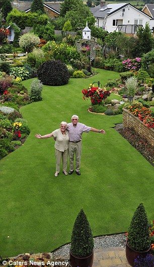Delicieux Second Place: The 2014 Runner Up, Stuart Grindle, Pictured With Wife Anne,  Mows His Lawn T.