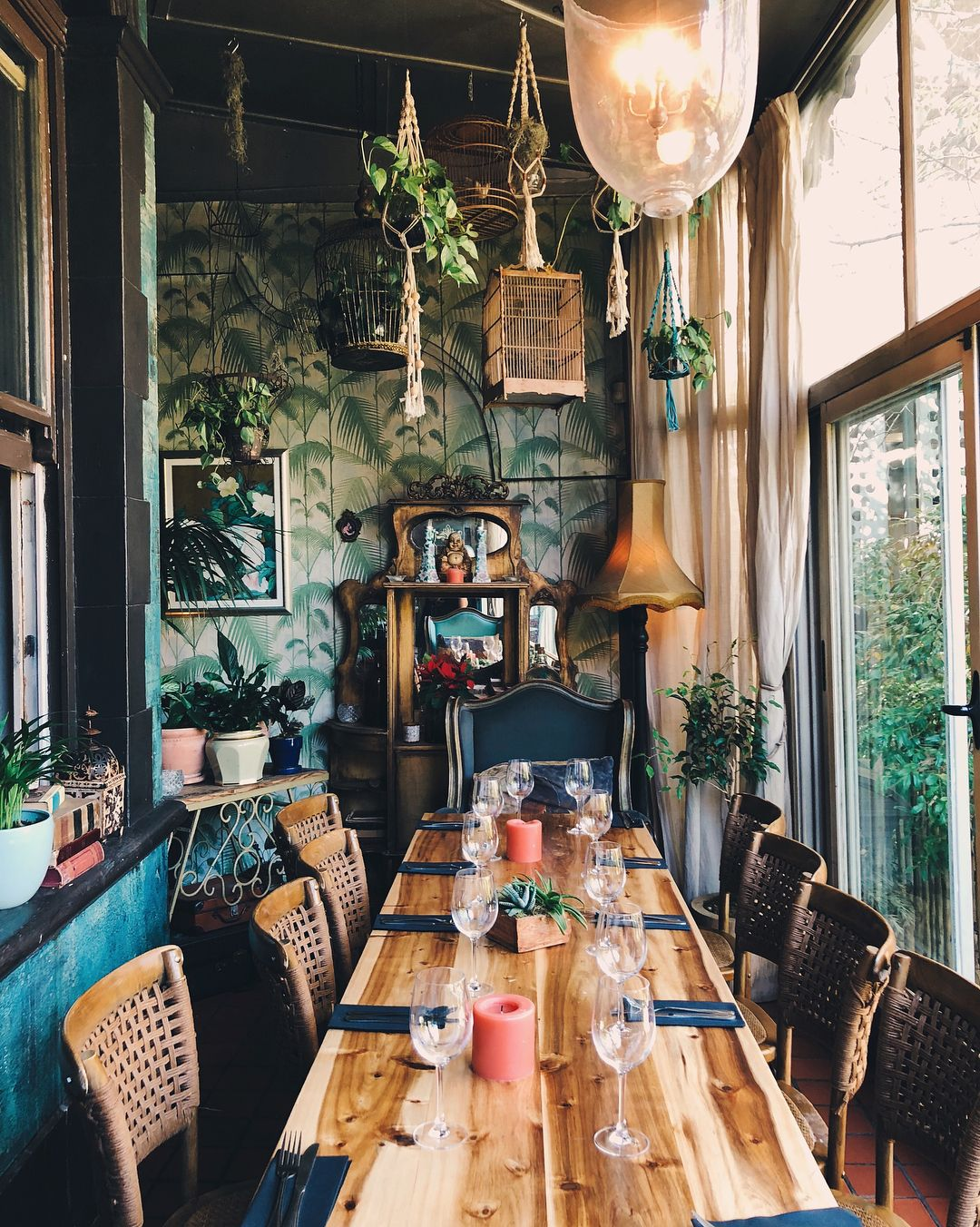 Kloof Street House feels like dining in an old Victorian