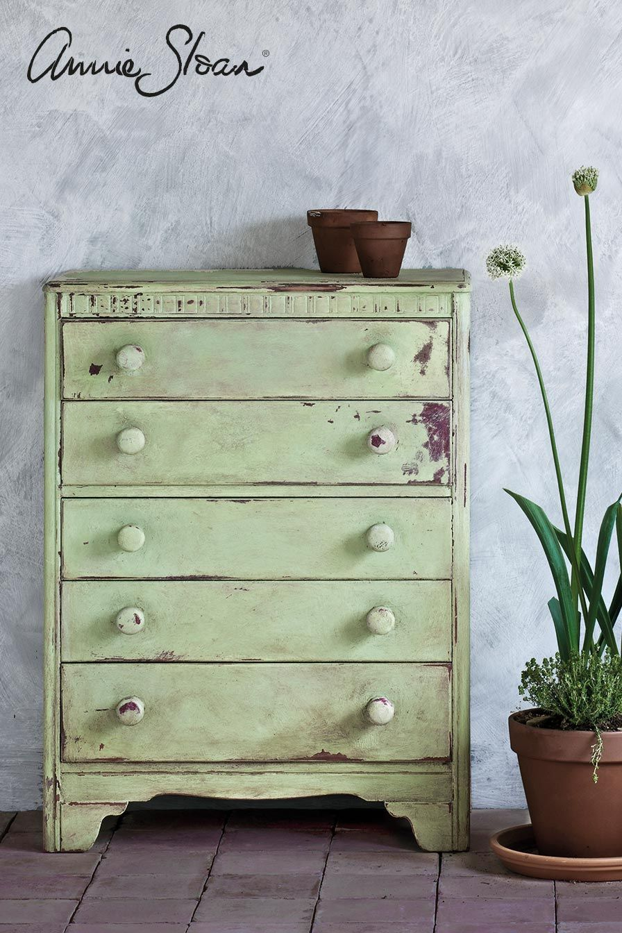 Annie sloan painted this chest of drawers in lem lem showcasing the