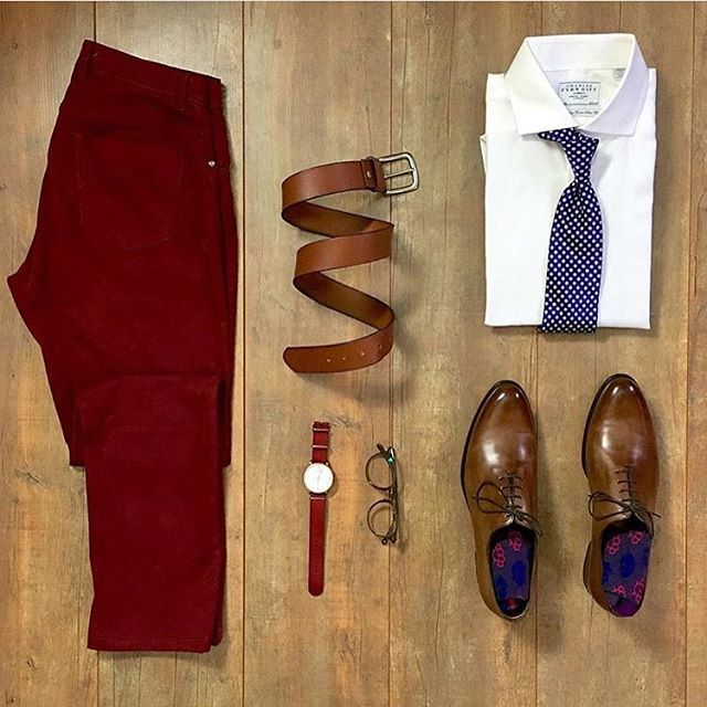 #SuitGrid by: @dogslovetrucks ________________________________________ Follow @inisikpe for daily style/advice #SuitGrid to be featured IniIkpe.com for fashion updates and more ________________________________________ Tap For Brands Suit: @customcutshirts Tie: @davidfinties Trousers: @bruce_field Belt: @brosleather Watch: @theparsonii Glasses: @eyebuydirect Socks: @scndlsocks Shoes: @paulevansny