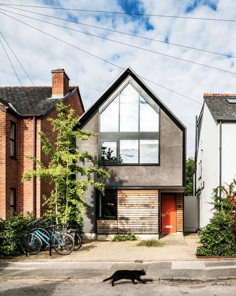 Oxford House That Puts A Contemporary Spin On The