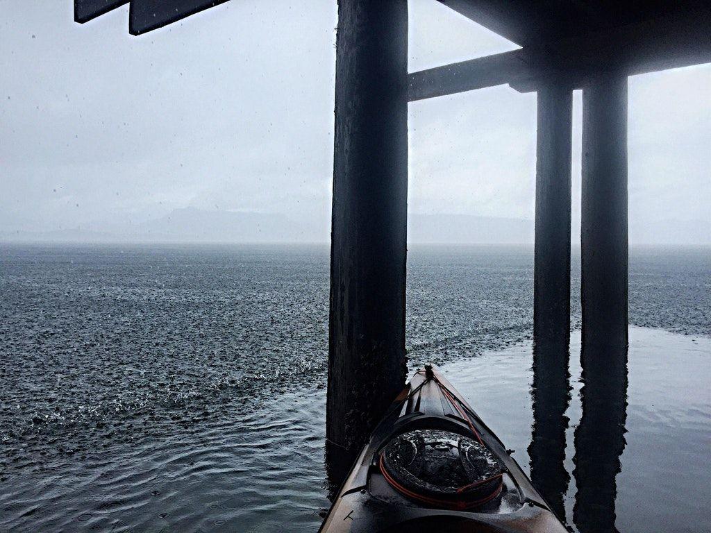 Kayaking : raining