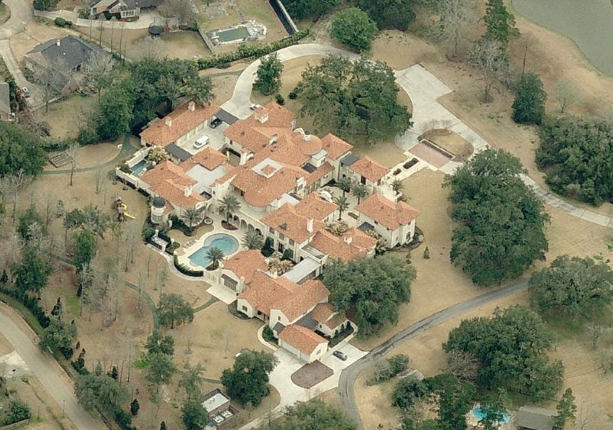 How do y 39 all feel about the pennington estate on highland road what would you do with almost for Homes for sale in baton rouge with swimming pools