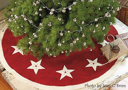 1000+ images about Christmas Tree Skirts on Pinterest | Christmas ...