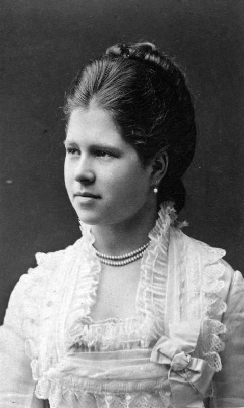 Princess Isabella of Croÿ (1856 – 1931) was the daughter of Rudolf, Duke of Croÿ, and his wife, Princess Natalie of Ligne.  She married Archduke Friedrich, Duke of Teschen (1856-1936)