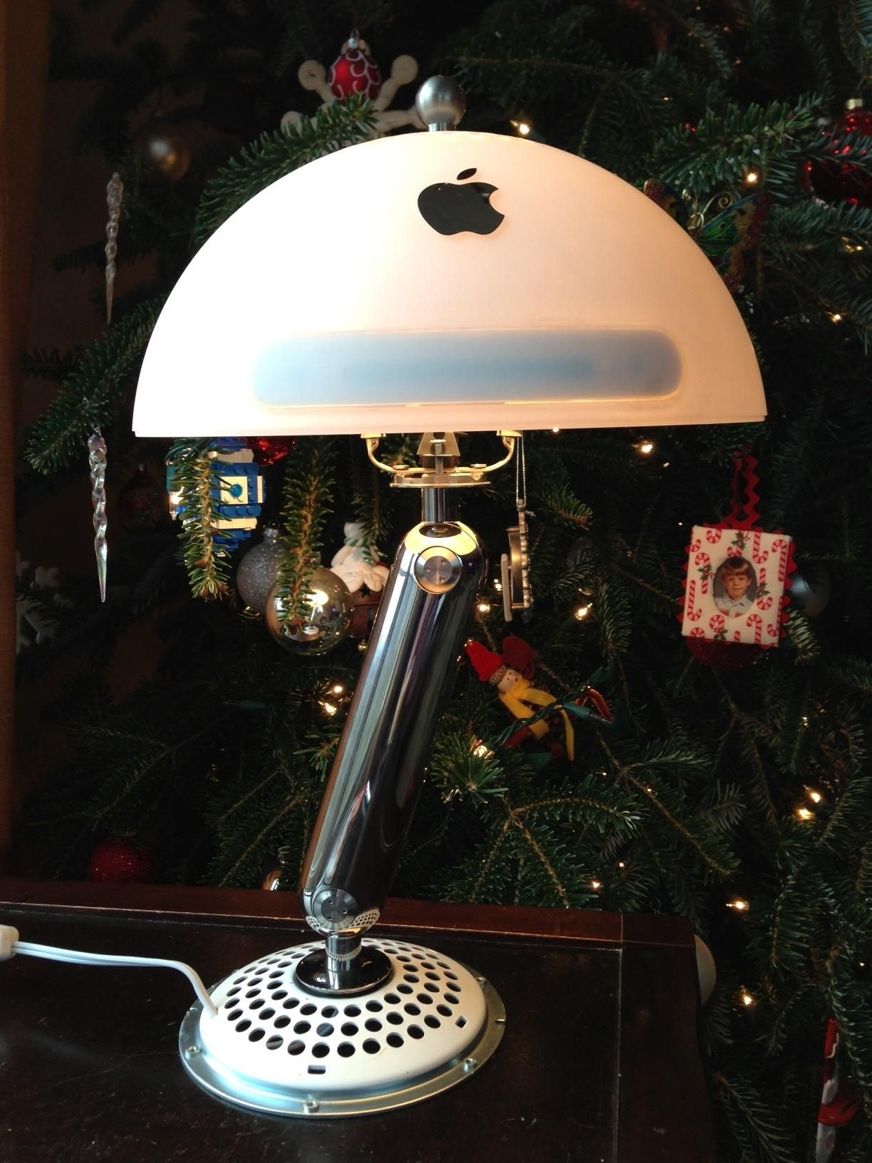 """For Christmas my brother rejuvenated my 2002 """"Luxor Jr """" iMac"""