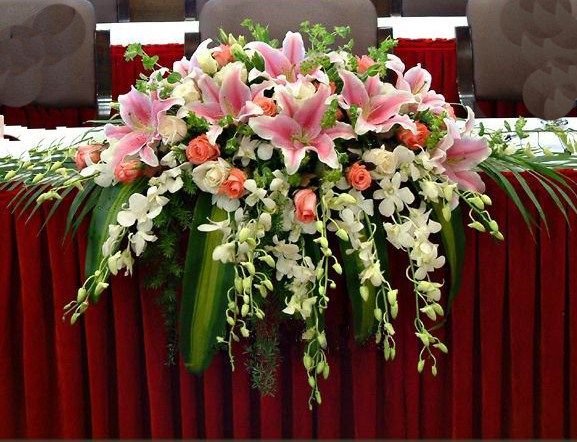 lily flowers roses orchid wedding reception flowers