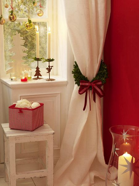 Love the wreath curtain tie-back get garland from dollar store