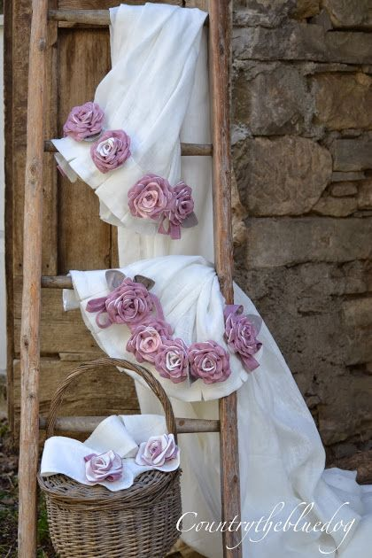 Raffinate tende shabby con rose fatte a mano | Tende country ...