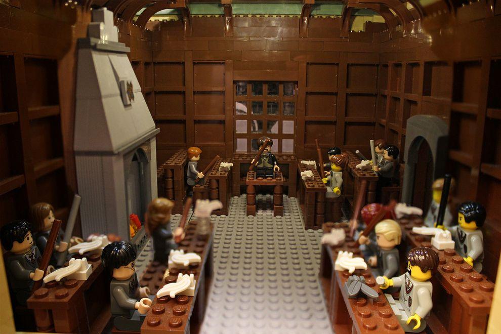 Mom Single Handedly Builds 400 000 Piece Lego Hogwarts Lego Hogwarts Lego Harry Potter Lego