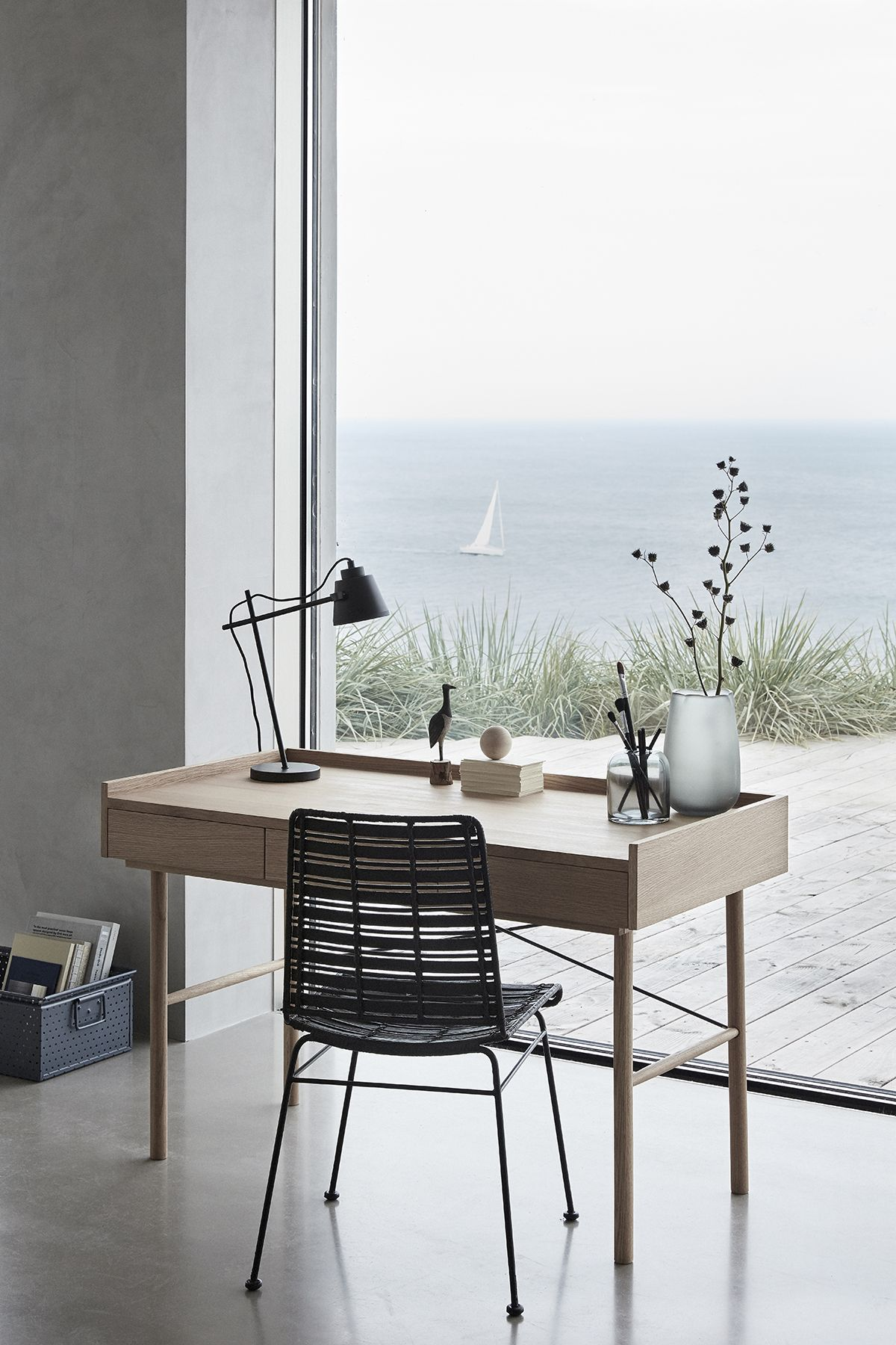 Find your way to create the perfect home office.     INTERIOR ...