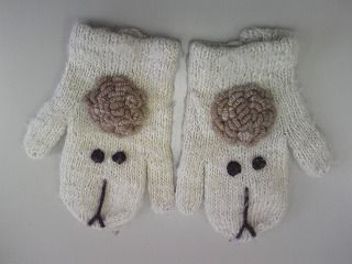 Sheep mittens. On Japanese Arts and Crafts Association blog.