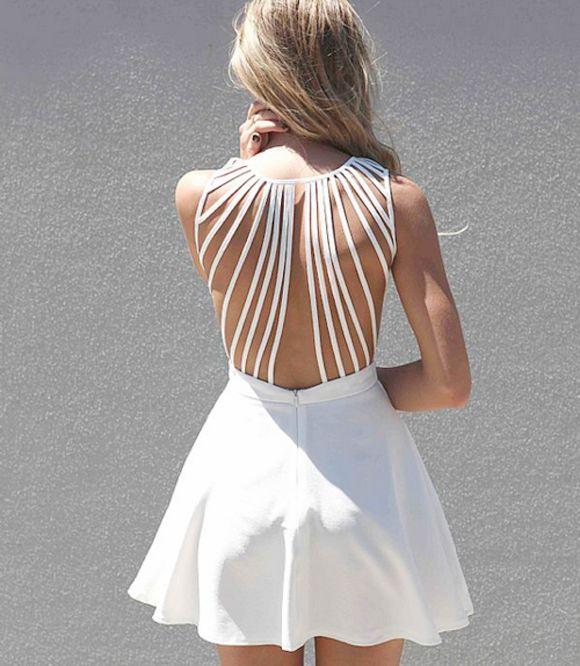 f22d2e39c9db Vestido blanco con tiras en la espalda | ESPALDA - Modas en 2019 ...