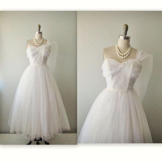 50s Wedding Dress // Vintage 50s Strapless White Tulle Wedding Dress ...