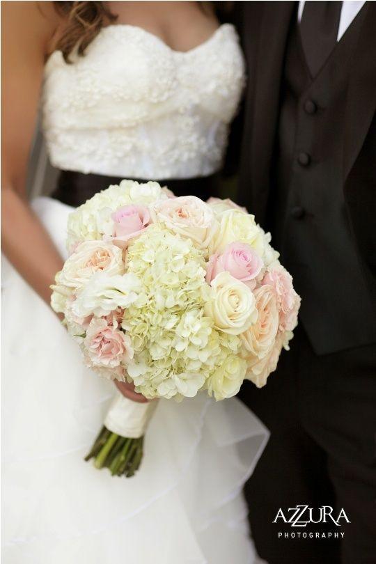 26 Rozowych Bukietow W Ktorych Sie Zakochasz Wedding Dresses Lace Wedding Dresses Blush Wedding Flowers