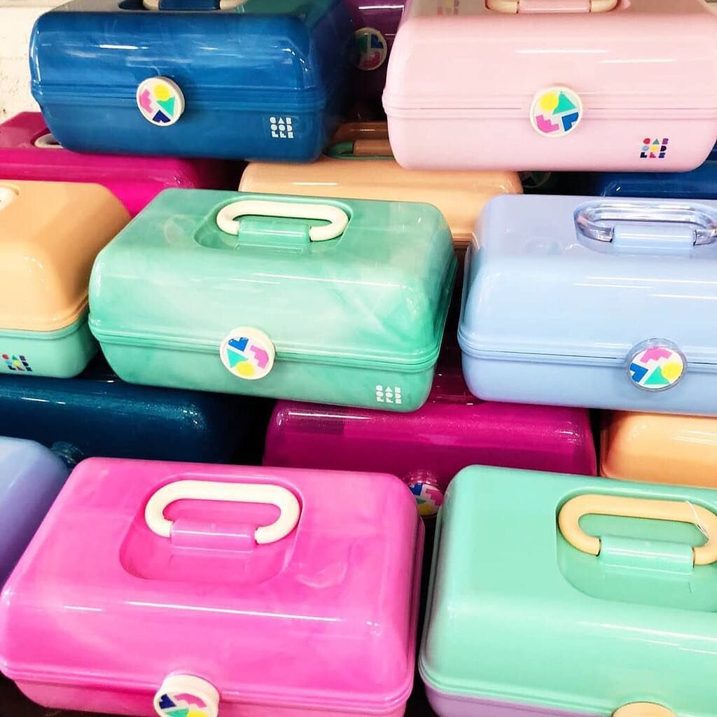 Today In 90s Nostalgia Caboodles Makeup Cases Are Back Fashion