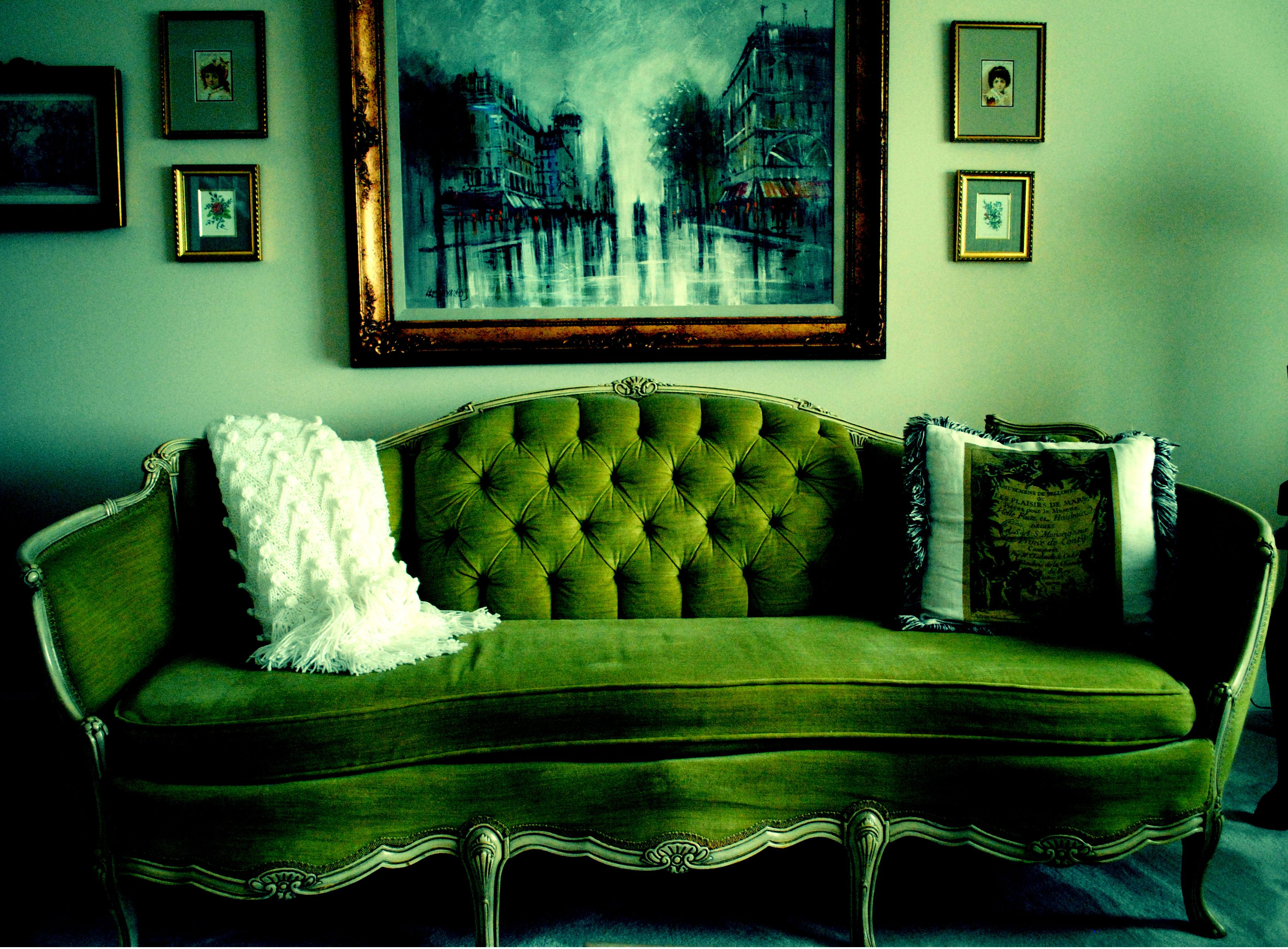 Green Vintage Couch Photo By Alexis Tedesco Bella42781 Yahoo Com Vintage Couch Living Room Decor Green Velvet Sofa