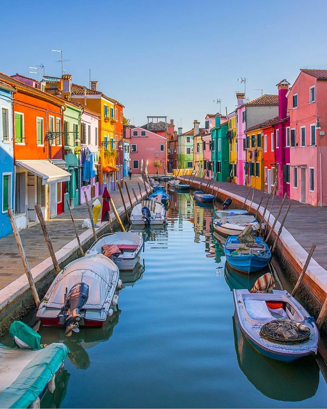 I always love discovering new cool offbeat places to add to my bucket list.How many of these incredible places do you know?