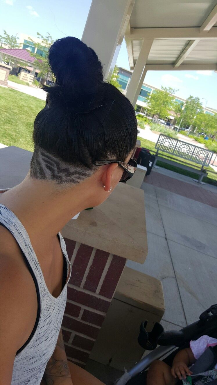 woman undercut hair