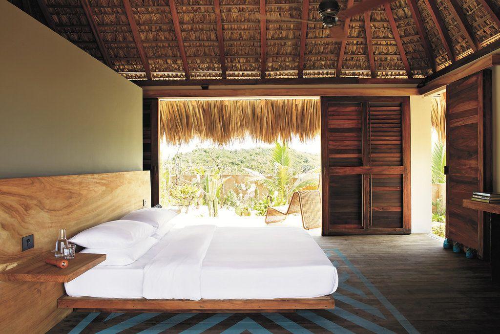 Mexico's Pacific Coast. Hotel Escondido. Playa