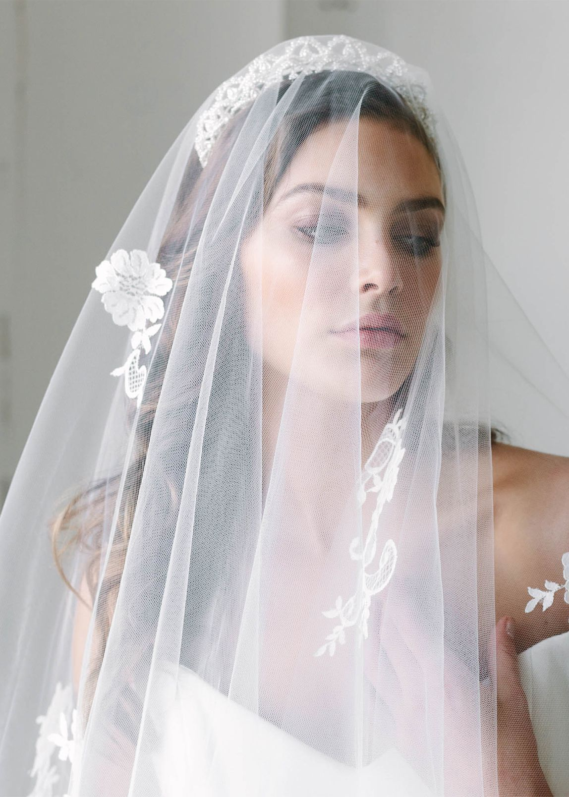 Icing on the Cake | Top 8 wedding hairstyles for bridal veils ...