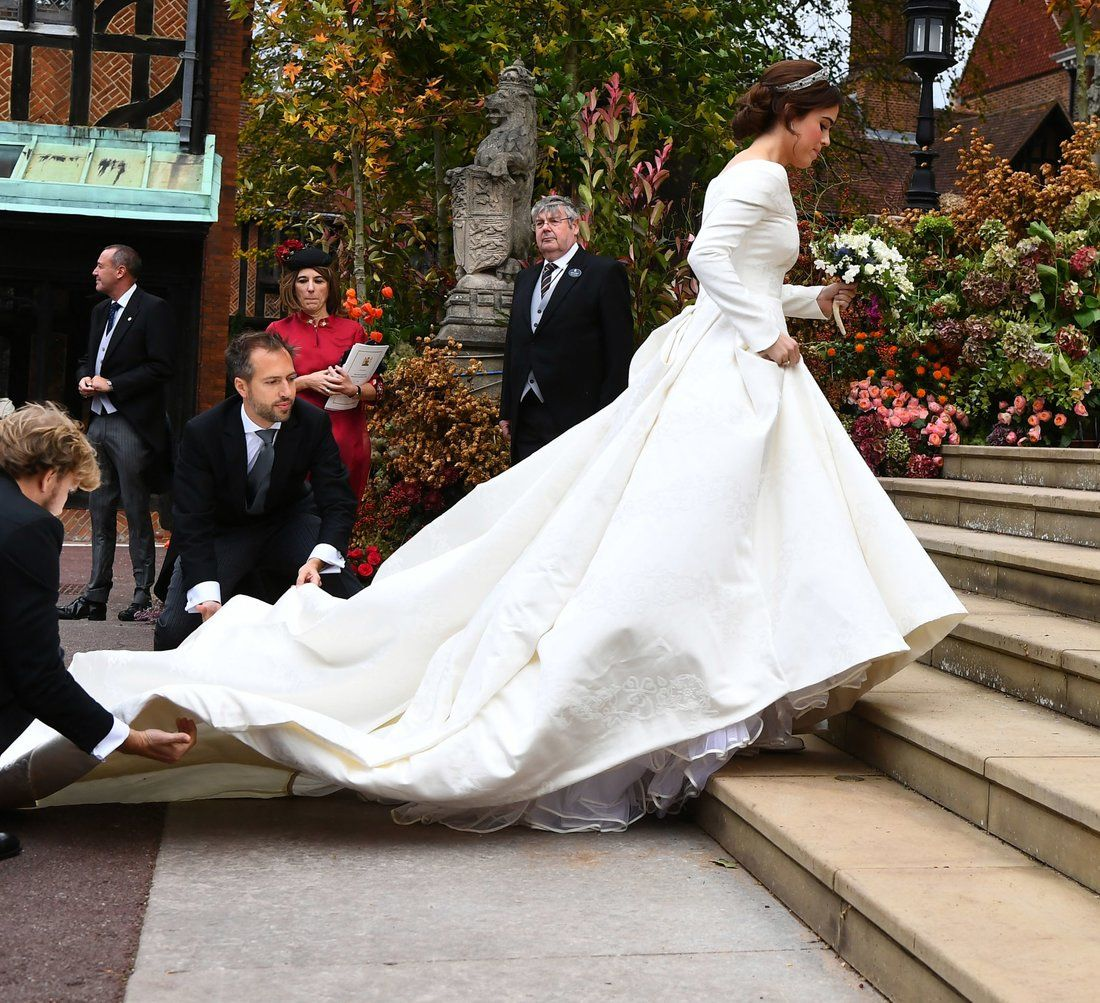 Princess Eugenie And Meghan Markle S Wedding Tiaras Have One Major Thing In Common Royal Wedding Dress Eugenie Wedding Royal Wedding Gowns