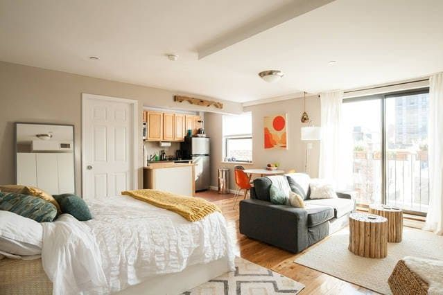 Name Kay Rozynski Location Lower East Side New York Ny I Am A Design Student Designer And This Is My Studio Apartment On The Of