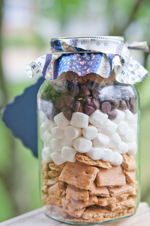 s\'mores bar in a jar gift | Xmas | Pinterest | Jar, Bar and Gift