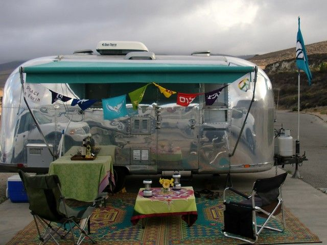 I Want A Teal Awning Like This 1967 Airstream Globetrotter Tony Pam Elmo Riverside