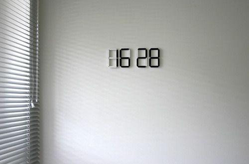 Charmant Horloge Black U0026 White Par Vadim KIBARDIN