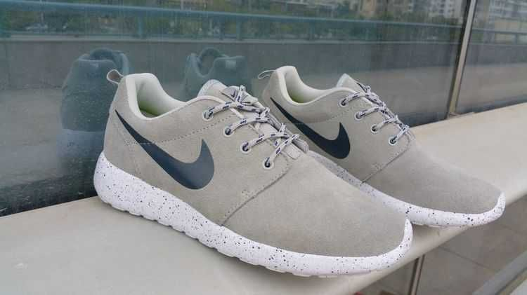 e7ecc4092ba6 Trainers - Nike Roshe Run Suede Star Promo Mens Grey Blue Black Friday