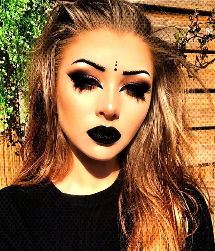 35 Chic Makeup Looks With Black Lipstick You Would Love To Try - Page 8 of 35 - Chic Hostess - Chi