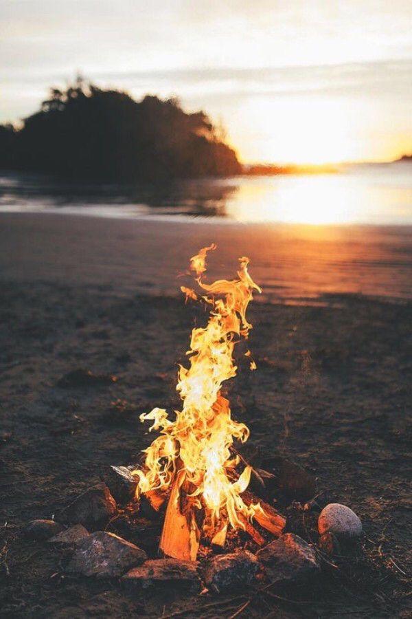 Daily Afternoon Randomness 38 Photos Beach Fire Tofino Fire