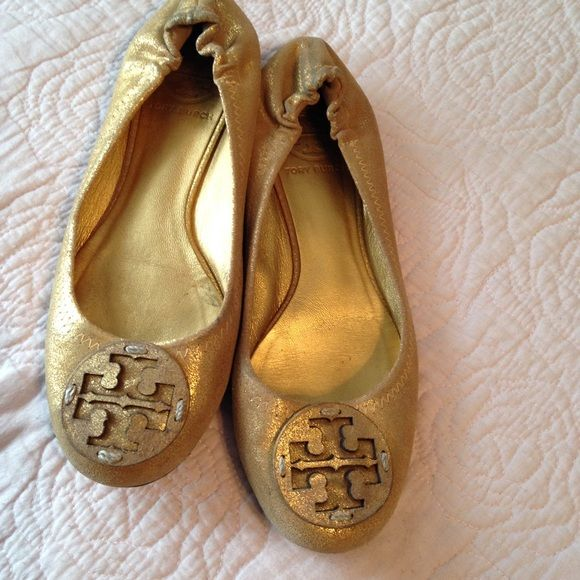 34786e1f1be57 Tory Burch flats Gently used Tory Burch gold flats. Really comfortable run  true to size in my opinion Tory Burch Shoes Flats   Loafers