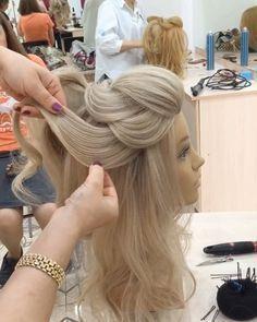 2 452 Otmetok Nravitsya 24 Kommentariev Video Uroki Pricheski Makeup Hair Videos V Instag Coiffure Soiree Cheveux Long Coiffure Mariee Coiffure Chignon