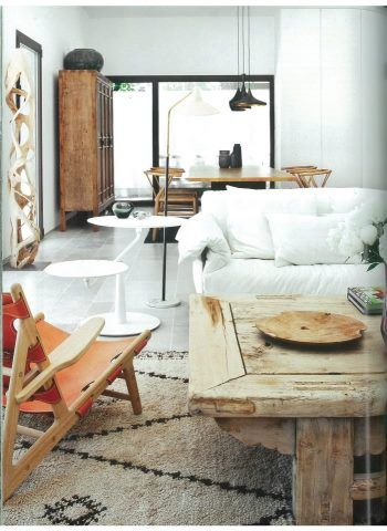 Love how this #Moroccan #carpet looks in this living room!  You can buy these kind of carpets at www.redthreadsouk.com