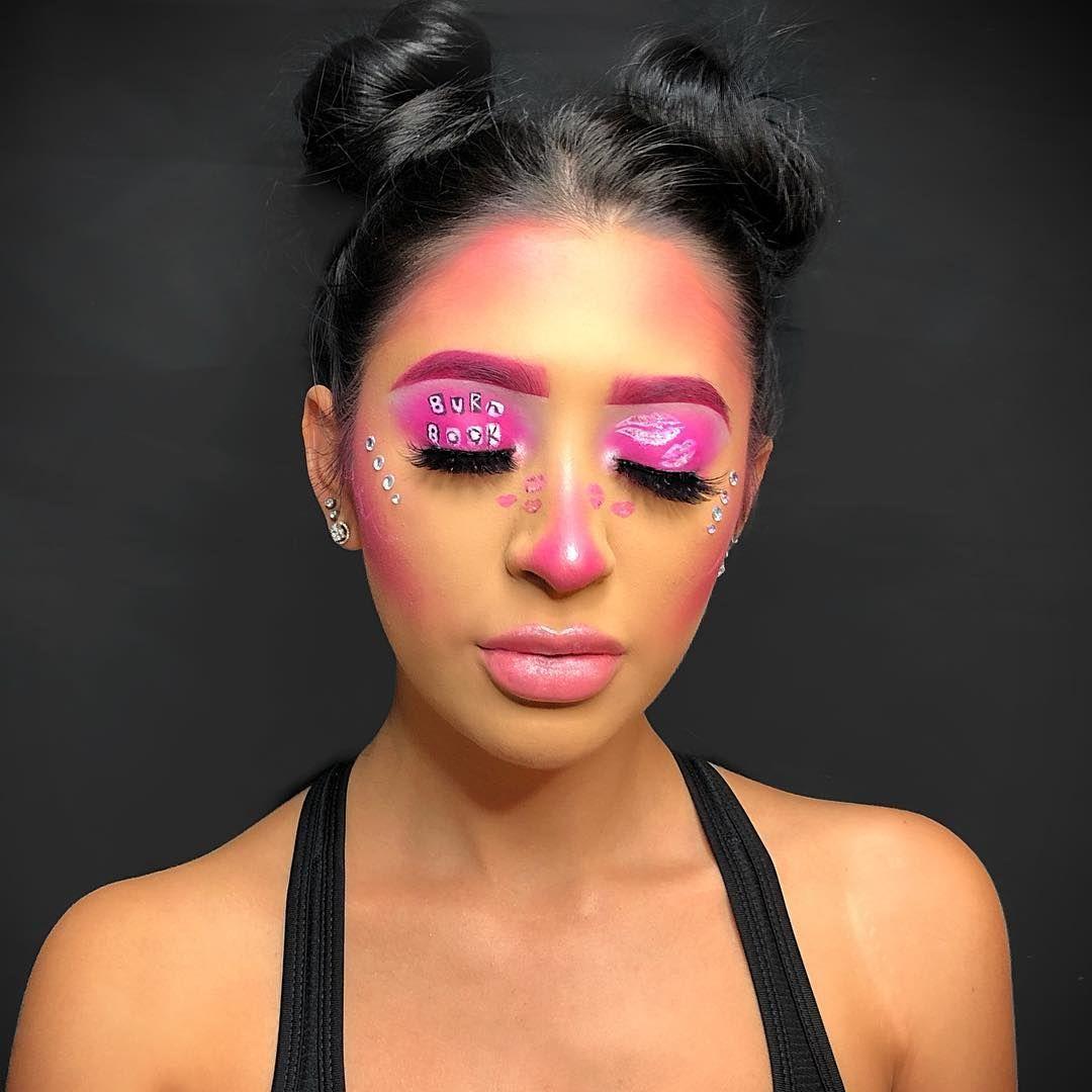 Mean Girls Burn Book Inspired Halloween Eye Makeup Look Halloween Halloween2018 Halloweenmake Cool Halloween Makeup Eye Makeup Styles Gothic Eye Makeup