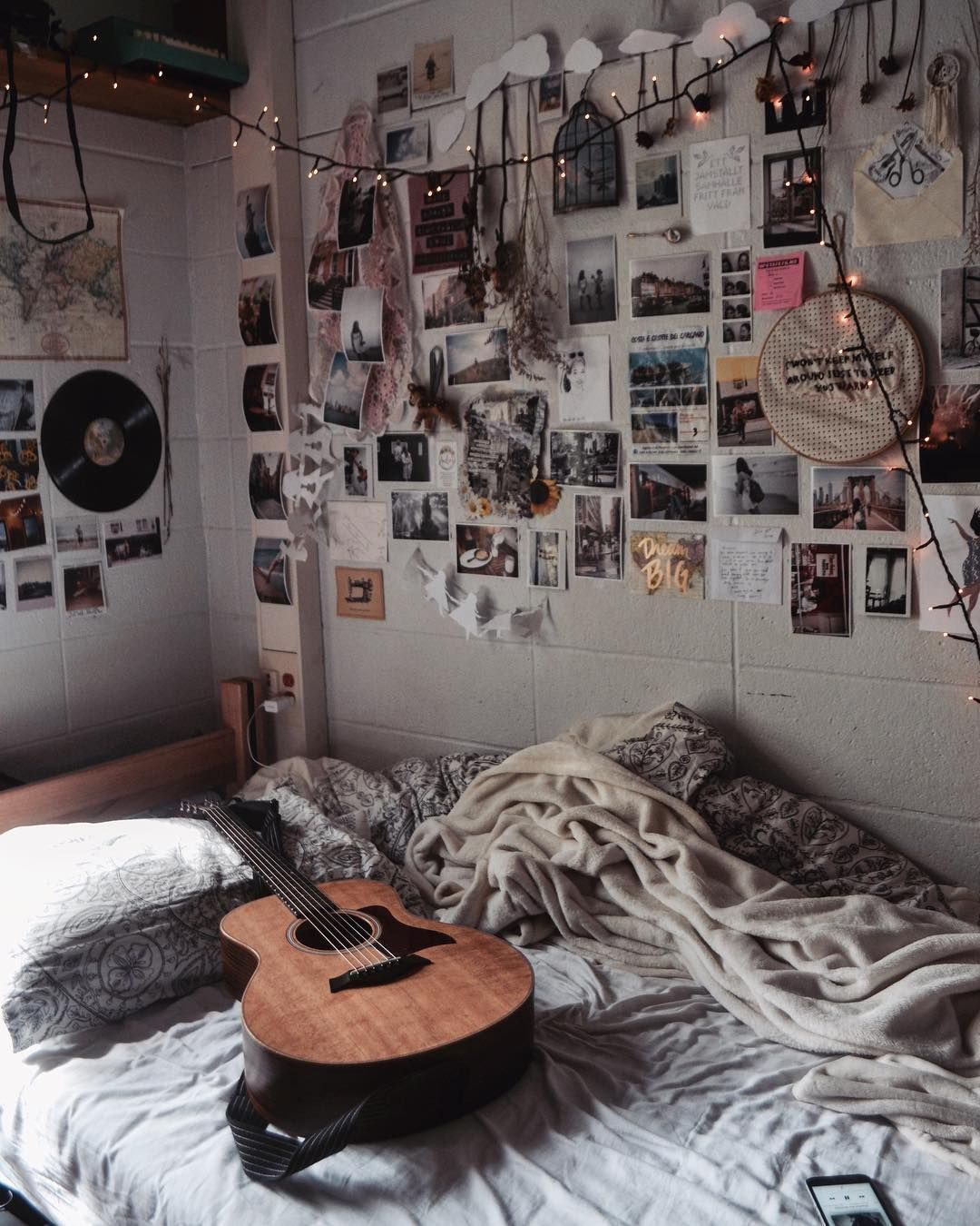 Beyond The Gallery Wall Here S How To Decorate Your Dorm Room