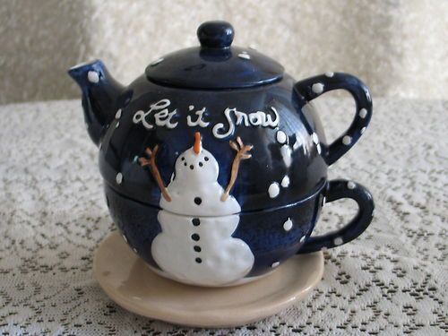 """Let It Snow"" Christmas Teapot"