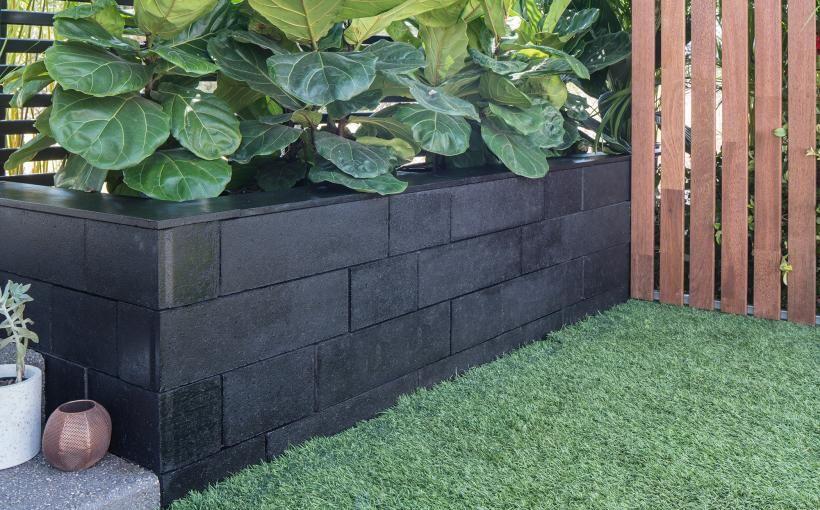 Black Klinker Retaining Wall Boral Landscaping Retaining Walls Backyard Retaining Walls Garden Retaining Wall