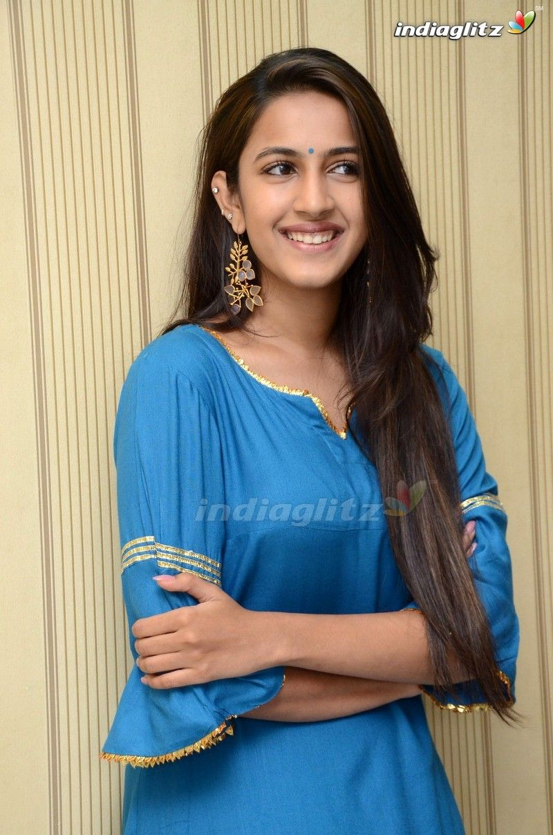 Niharika Konidela Actresses, Actress photos, Telugu