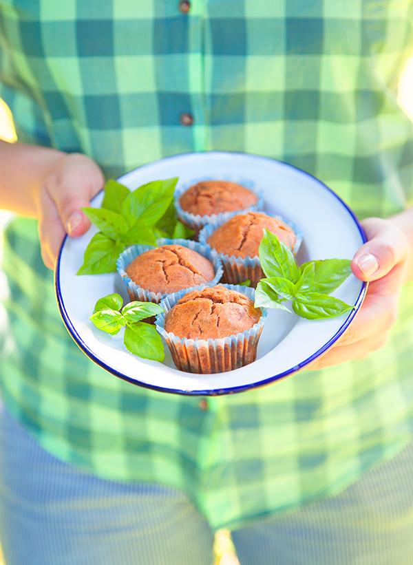 Muffins tomate & basilic
