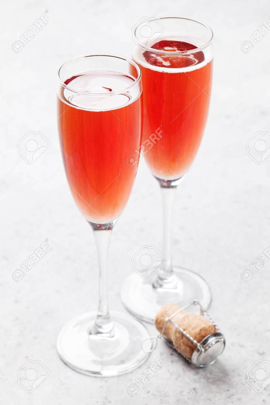 Rose Wine Champagne Glasses On Stone Table Ad Champagne Wine Rose Table Stone In 2020 Rose Wine Champagne Glasses Wine