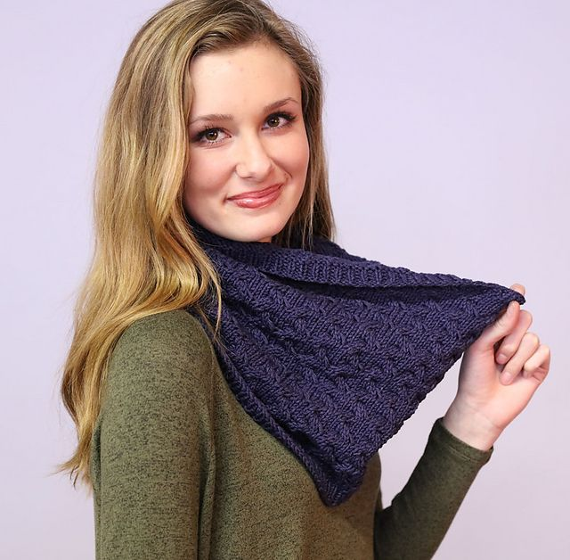 Ravelry F849 Cabled Cowl Pattern By Plymouth Yarn Design Studio