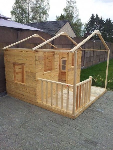 Como hacer una casita de madera con palets bricolaje for Choza de jardin de madera techo plano