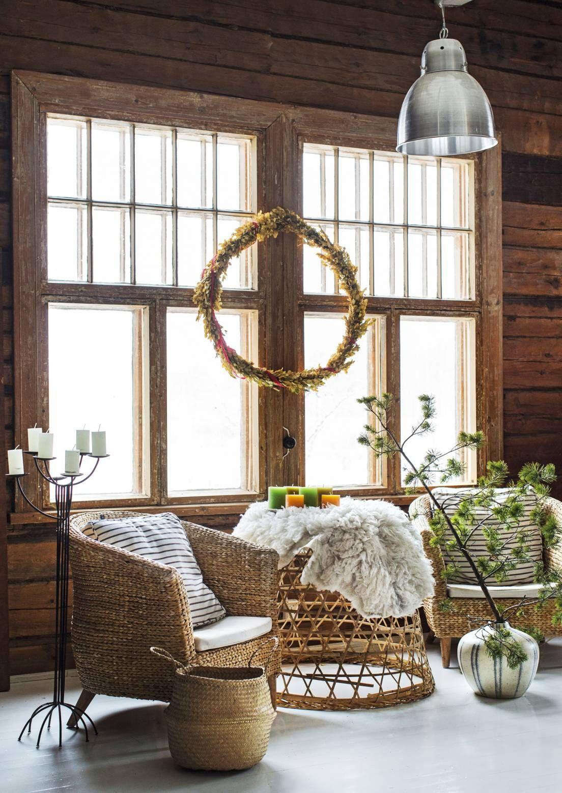 Ihanat ikkunakoristeet ilahduttavat sekä kodin asukkaita että ohikulkijoita. Katso Unelmien Talo&Kodin ideat siihen, mitä kaikkea ikkunaan voi ripustaa.