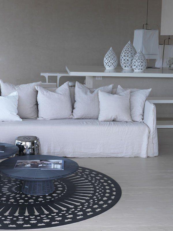 Ghost sofa Arredamento d'interni, Salotti bianchi e Mobili