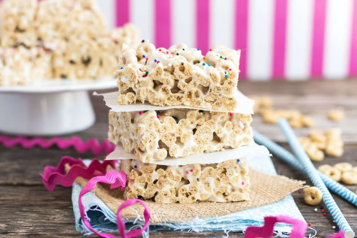 Honey Nut Gluten Free Cheerio Treats | Recipe | Cheerios ...
